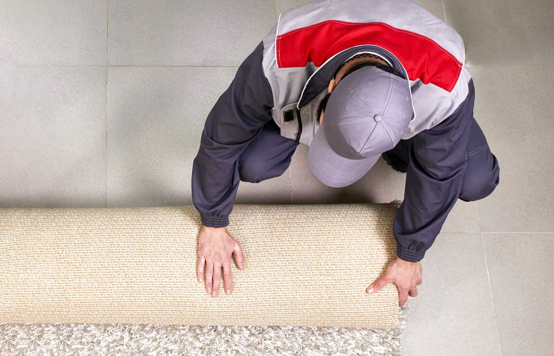 Carpet-cleaner-rolling-up-rub